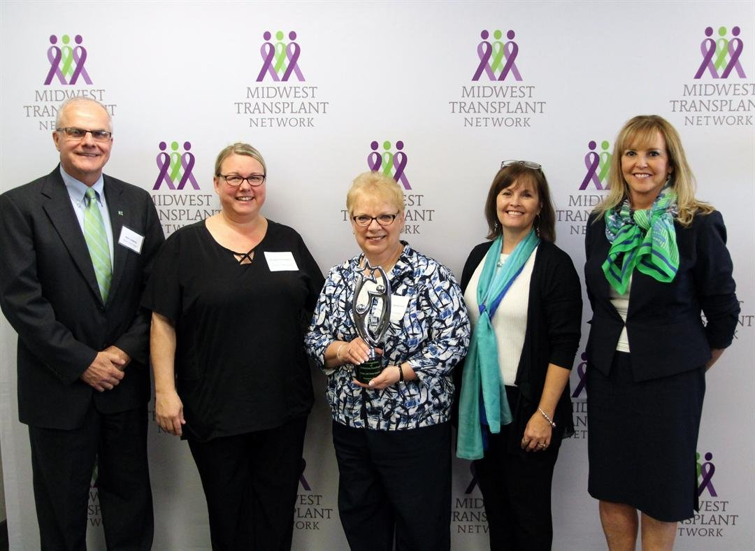 (left to right) Rob Linderer, Midwest Transplant Network Chief Executive Officer; Roxanna Estes, RN, Freeman Family Care Specialist; Coleen Cameron, Freeman Chief Regulatory Officer; Cathy Lucchi, Midwest Transplant Network Hospital Services Coordinator;