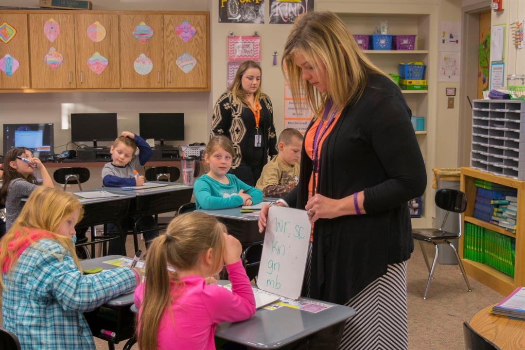 Snow has been a teacher at Lakeside Elementary for two years.