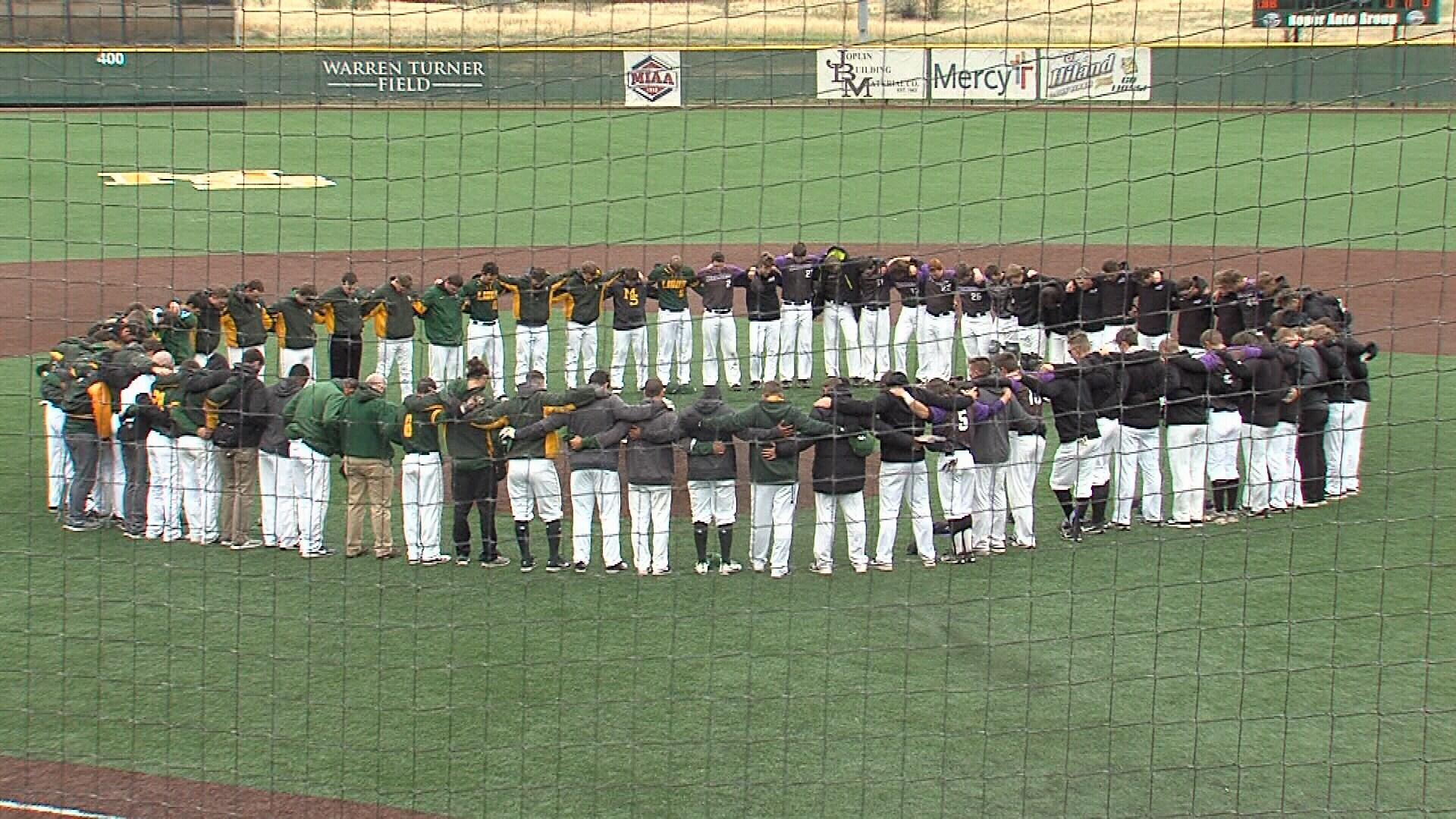 Teams Pray