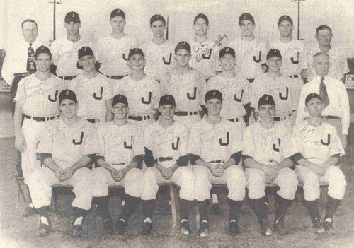 Mickey Mantle appears in a 1950 team photo of the Joplin Miners. Mantle is the 5th player from the left on the second row. Photo courtesy: MickeyMantle.com