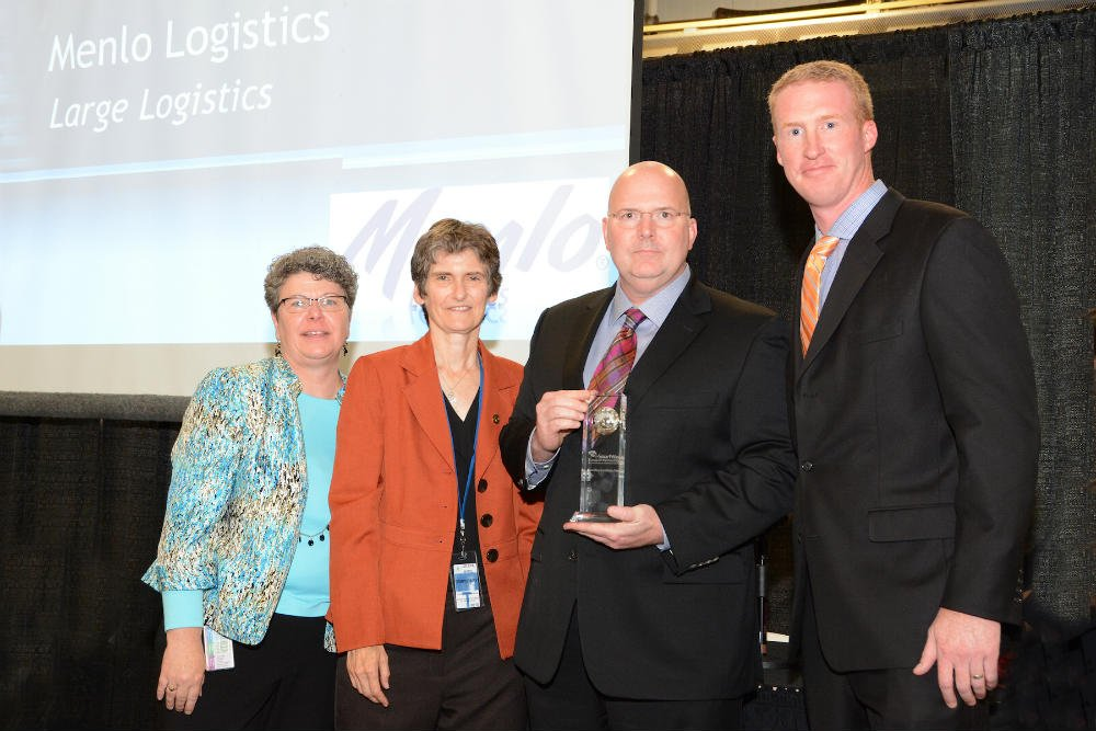 (L to R) Leila Cook, Associate Director of the Office of Transportation and Air Quality (OTAQ); Janet McCabe, Acting Assistant Administrator, EPA;  Mike Greene, Vice President, Operations, Menlo Logistics;  Nick Caragher, Senior Director, Transportation,