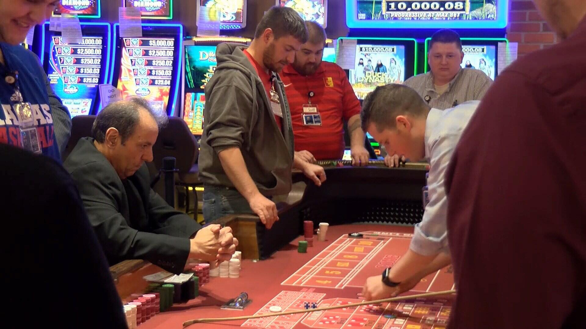 Casino layoffs u.s.tax treaty article canadian gambling income