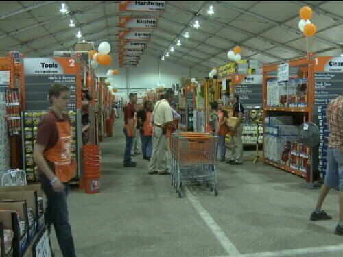Joplin's Home Depot opened it's new 60,000 square foot temporary store