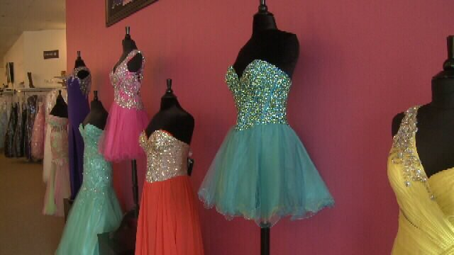 Online prom dress shopping can lead to disappointment rather tha ...