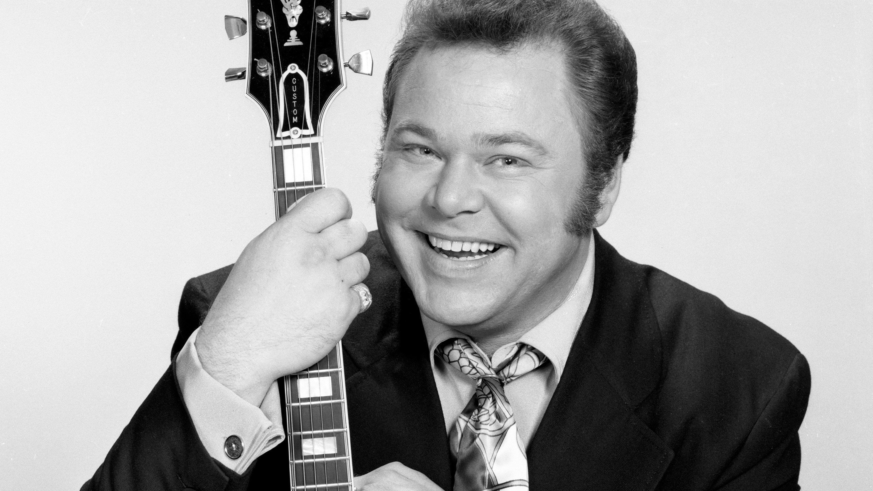 "Roy Clark, a country music star and former host of the long-running TV series ""Hee Haw,"" died Thursday, his publicist told CNN."
