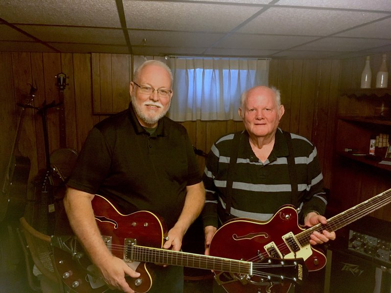 Joplin Man Reunites With Long Lost Guitar After 35 Years Fox 14 Tv
